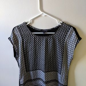 The Limited Black & White Cap sleeve patterned top